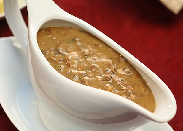 best-ever-vegan-mushroom-gravy-7-tif