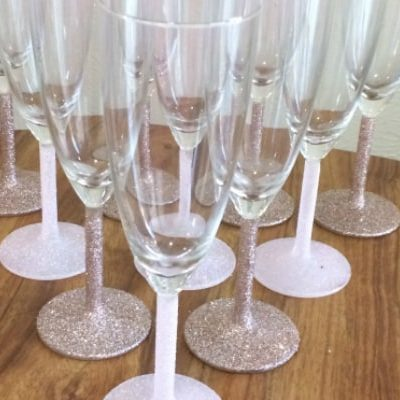 From Sham to Glam: DIY Glitter Champagne Flutes
