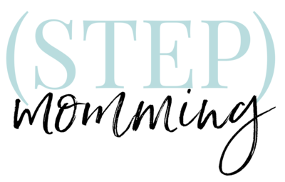 [step]momming logo