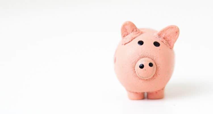 Financial struggles of a mom after divorce
