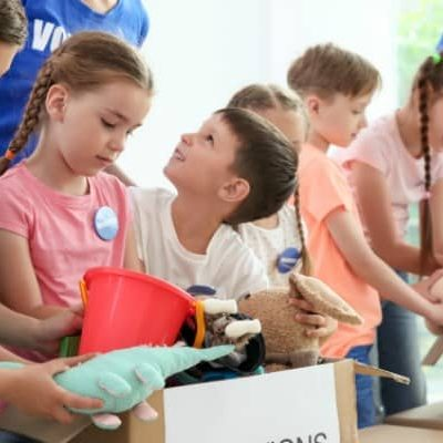 Giving Back with Kids: How My 7-Year-Old is Volunteering this Holiday Season