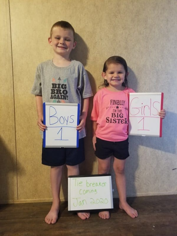 tie breaker pregnancy announcement